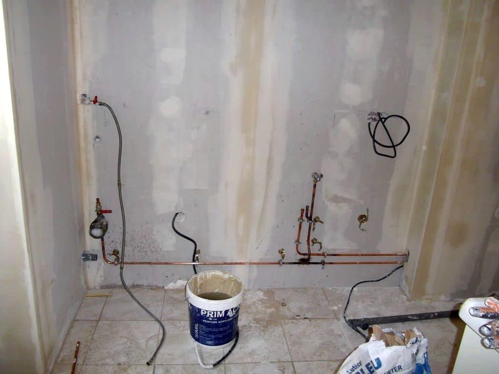 Renovation de toute la plomberie et Electricité .