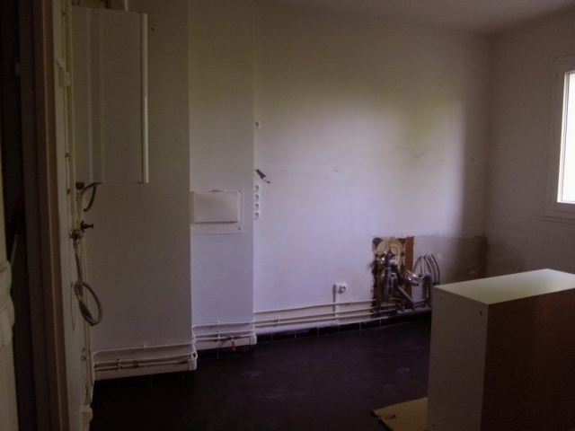travaux-renovation-interieure-montage-pose-cuisine-equipee-cuisiniste-poseur-menuisier-94-val_de_marne-ile_de_france-saber_multi_services